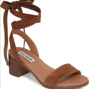 Steve Madden Rizzaa block wrap heel